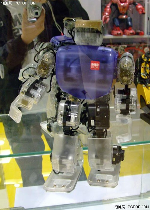 领台瓦力回家 鼎好上演机器人总动员