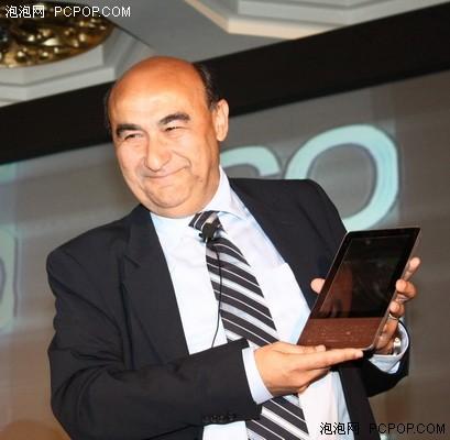 Acer战略发布会兰奇展示最新平板电脑