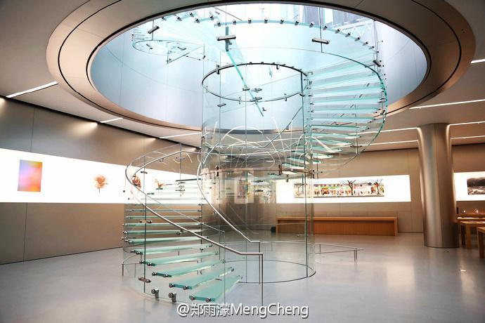 重庆解放碑Apple Store显露真身样貌
