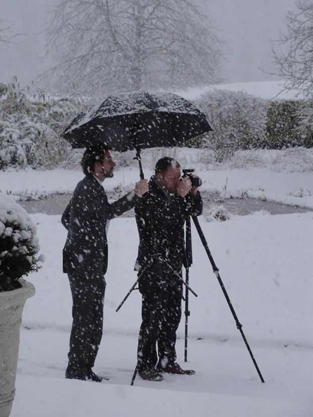 婚礼遇罕见大雪 摄影师却拍出梦幻仙境