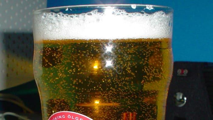 传感器配合APP 可以检测啤酒是否过期
