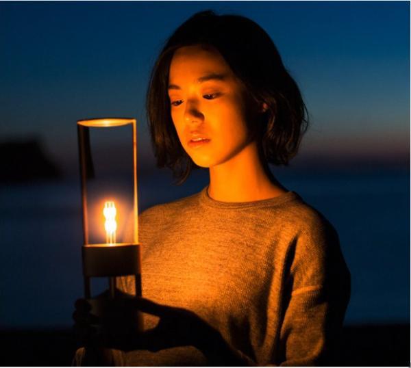 索尼推出能听音乐的露营灯 售800美元