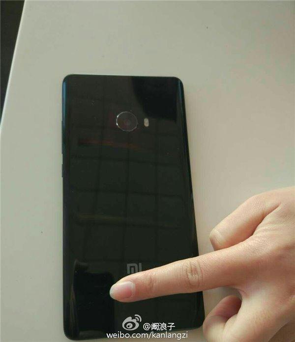 小米Note 2有亮黑色版本 或为3D陶瓷机身