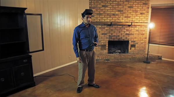 男子下班后沉迷VR游戏:家被偷光浑然不知