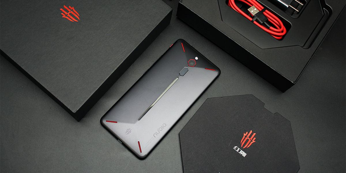 幻彩RGB灯带 极致游戏体验 努比亚红魔电竞游戏手机评测