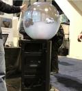 英厂商在CES展出女巫水晶球状的360播放设备