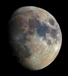 原来长这样!摄影师用32000照片合成超清晰的月亮照片