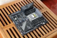 见证AMD重返荣耀!华硕ROG Zenith Extreme主板评测