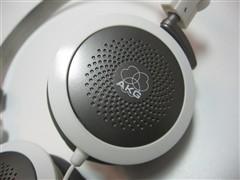 耳机 k27i/K27i的主色调为乳白色,它的耳罩、耳机线、头带与耳罩的连接处...