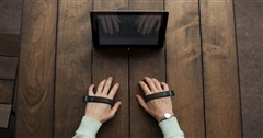 隔空打字技术 两根手带可让你告别键盘