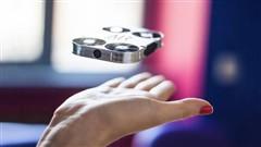 """真正的""""口袋无人机"""" 机身比手机还小"""