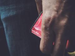 Android平台创始人自曝新机 外形惊艳似小米MIX