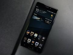 智能手机再迎创新节点 金立欲凭四摄&全面屏引领变革