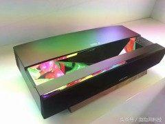 极米发布最强激光电视售价79999元 超高亮度白天也能看