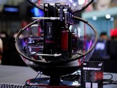 联想正式发布概念主机WINBOT和一体水冷主机Y920T
