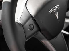 不配车钥匙的特斯拉Model 3如何解锁?依赖手机蓝牙