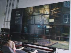 16K分辨率  1.32亿像素怪兽 看看16联屏玩游戏什么样