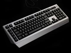 前卫造型加炫酷灯效!Alienware768机械键盘评测