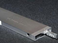 越来越会玩 Intel推尺状企业级SSD容量可达1000TB