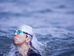 搜狐CEO张朝阳参加海上马拉松,一口气游了13公里