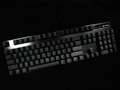 金属品质,原厂手感 雷柏V805背光游戏机械键盘评测