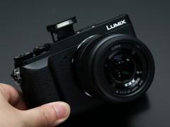 送相机包和SD卡 松下GX85售价还不足4000元