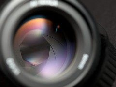 相机拍照时怎样才不容易拍虚?安全快门需注意