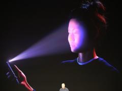 都是iPhone X带的 华为手机加速跟进人脸识别