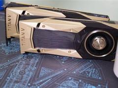 两块Titan V的性能有多强大?PCIe 3.0的带宽已经不能满足!