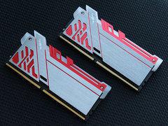 魅影无边 影驰GAMER极光DDR4-3000 8G*2内存卖1599元