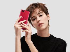 中国移动网友票选年度全面屏手机居然是拍照手机R11s