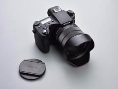 对焦与连拍更强大 25X光学变焦索尼黑卡RX10IV评测