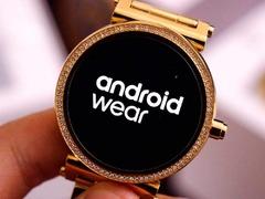 部分安卓智能手表收到2.8系统更新 迎来纯黑色主题