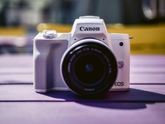 时尚轻便还可拍摄4K视频 佳能EOS M50微单相机评测