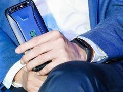 官方确定月底发布小米手环3 雷军:体验远超前两代!
