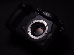 首款支持双原生ISO的无反 真正的视频旗舰松下GH5S评测
