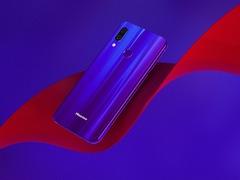 海信AI手机H20发布在即 魅力男神杨烁担任新品代言人