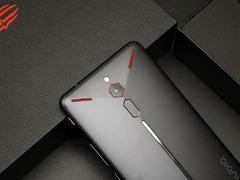 四重散热黑科技 助红魔电竞游戏手机火力全开 冷酷到底