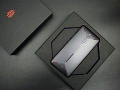 吃鸡达人看这里! 炫酷外观+RedMagic OS的红魔游戏手机了解一下