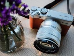 复古外形自拍微单相机 富士X-A10套机价格非常划算