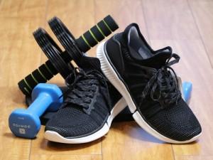 脚感柔软到像踩屎 这款小米的智能运动鞋只卖249元