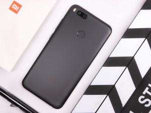 吴亦凡代言变焦双摄拍人更美 小米5X手机首发开箱图赏