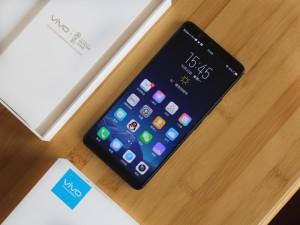 更大更好用的全面屏手机 vivo X20 Plus开箱图赏