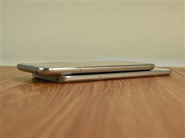 玻璃与金属碰撞 魅族MX5对比小米Note