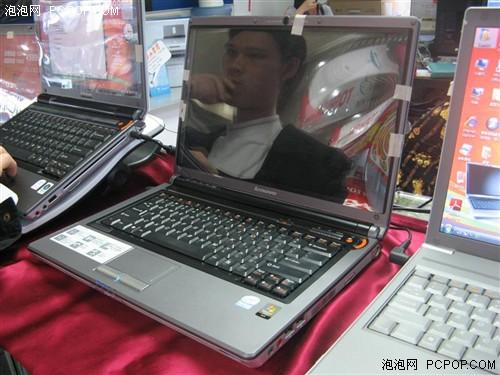 联想   天逸F41MT2330采用14.1英寸WXGA高亮镜面宽屏幕...