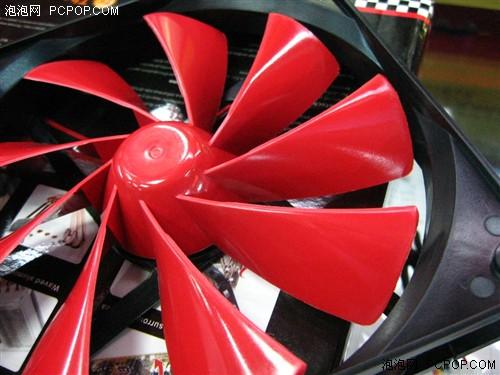 来看看tt的新款扇叶设计很像飞机螺旋桨
