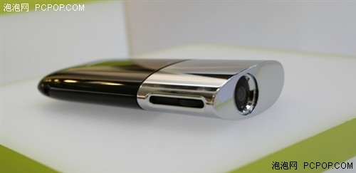 重量仅100克东芝超酷微型投影机首秀