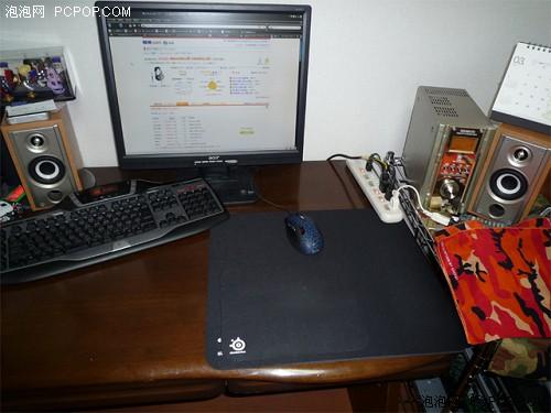 101日版键盘,鼠标为razer炼狱蝰蛇,垫子qck mym,一看就知道是为fps