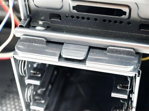 l-1200的减震硬盘仓设计命名为noise killer 2,看来已经是经过一