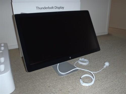 苹果Thunderbolt版Cinema显示器到货